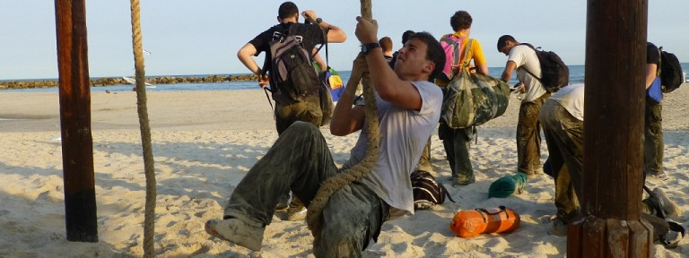 Beach_strength_training